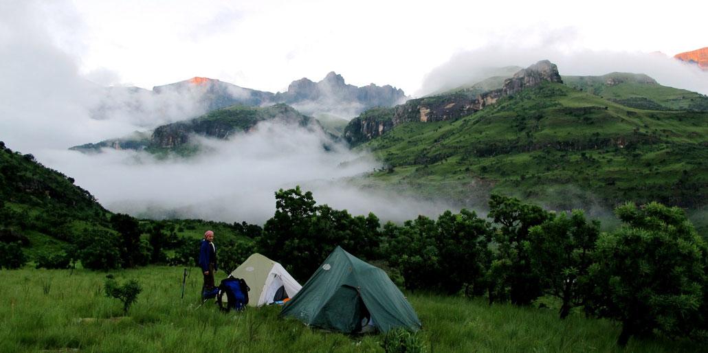 drakensberg-grand-traverse-camp-mnweni