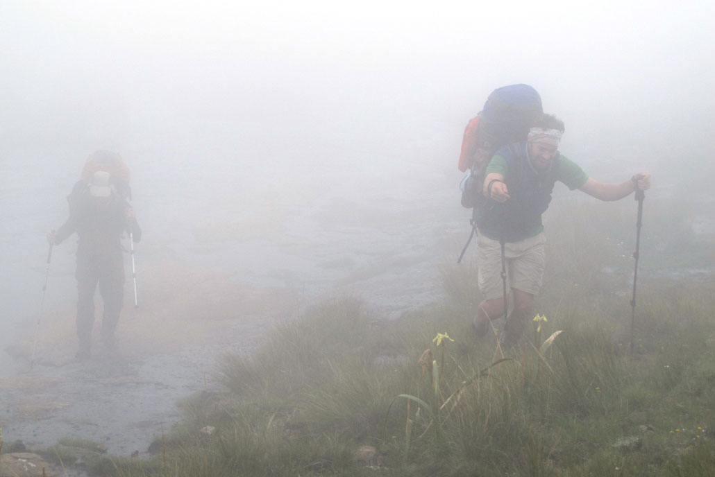 drakensberg-grand-traverse-fun-in-the-fog