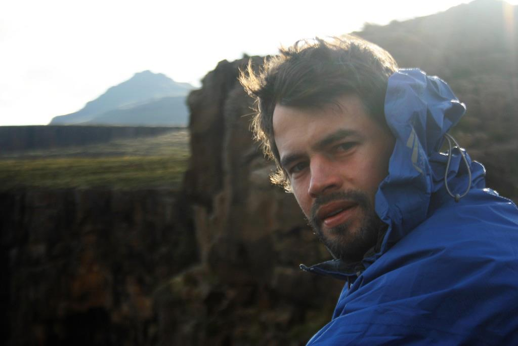 drakensberg-grand-traverse-mountain-man