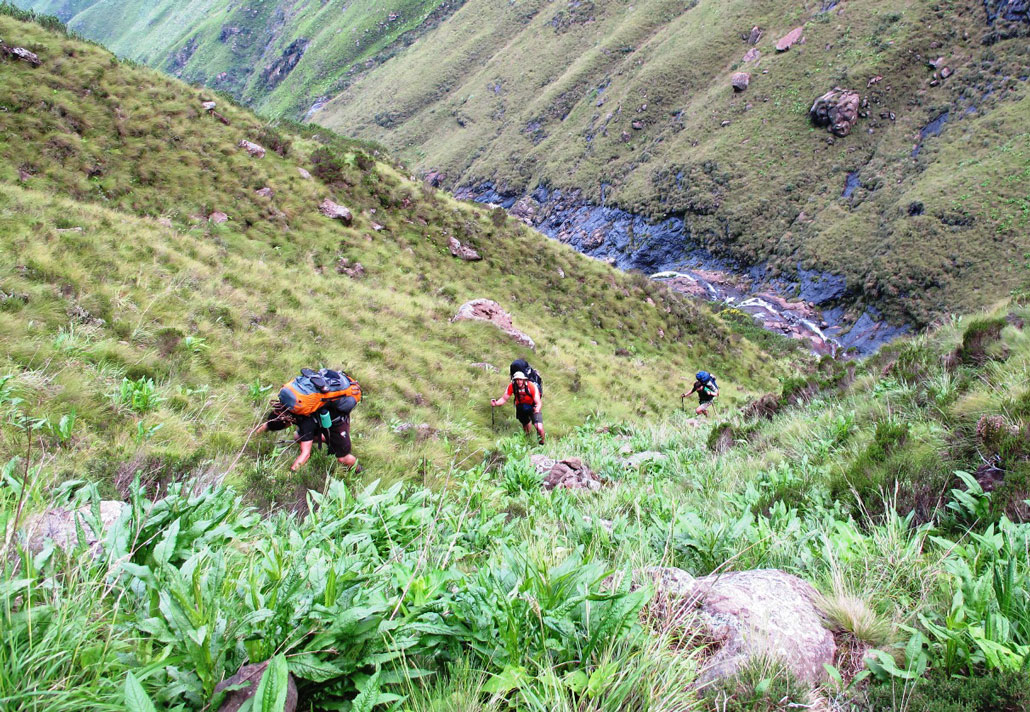drakensberg-grand-traverse-steep-terrain