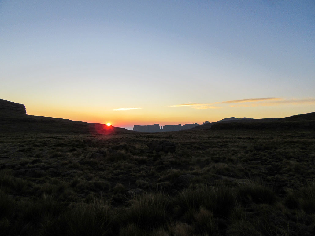 drakensberg-northern-high-traverse-sunrise