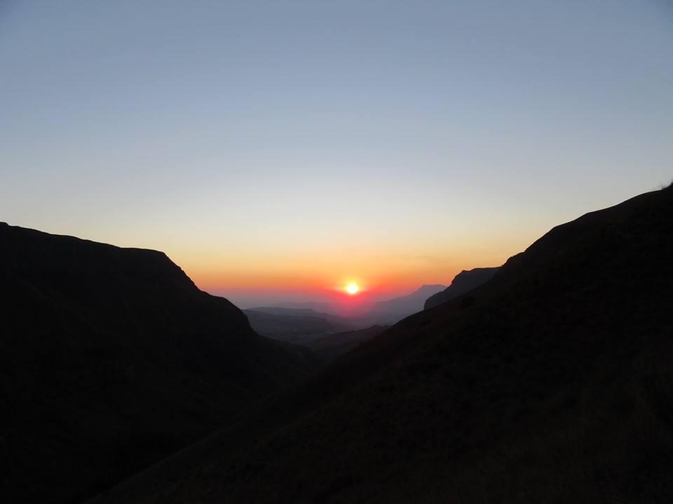 drakensberg-xeni-pass-sunrise
