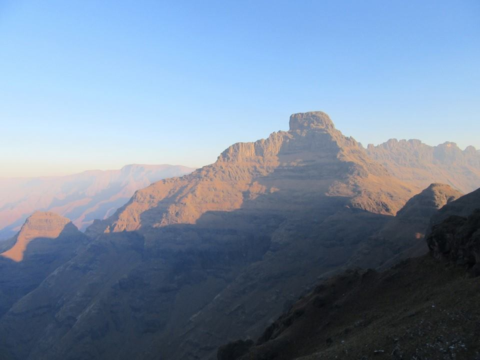drakensberg-xeni-pass-sunset-buggers-hill