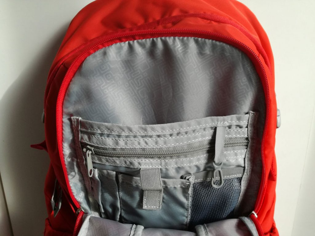 first-ascent-flash-25l-storage-compartments
