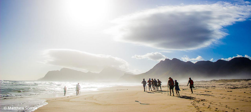highlands-trail-hikers-kleinmond-beach-mountains