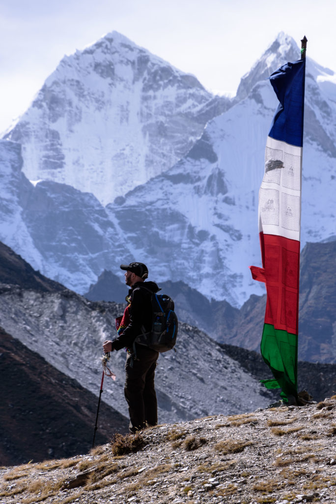 himalayas-hiker-mountains
