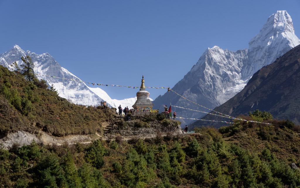 himalayas-stupa-tengboche