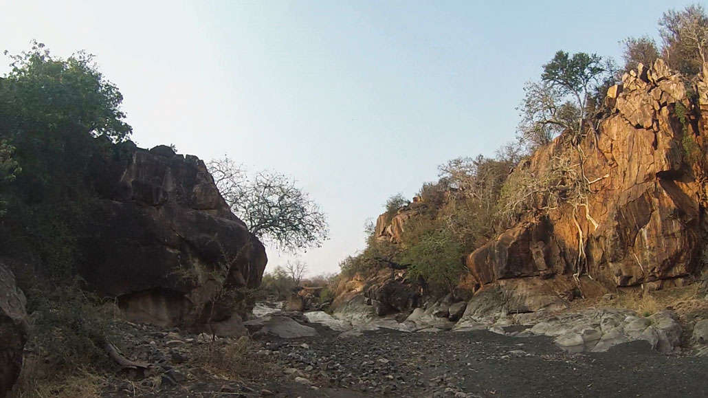 kruger-trail-riverbed