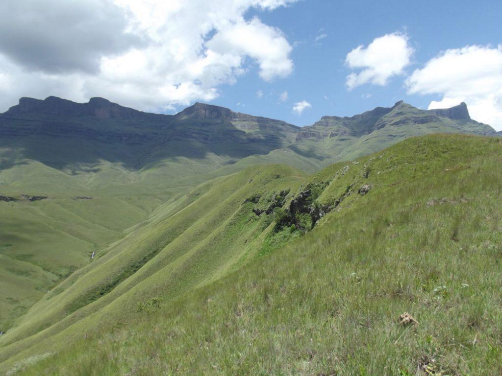 langalibalele-pass-approach