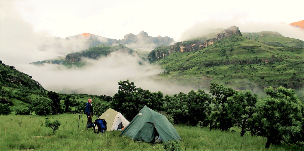 hiking-tents-drakensberg-green