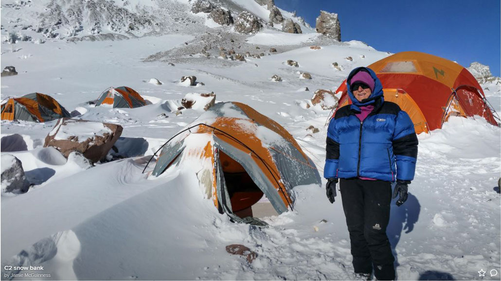 hiking-tents-snow