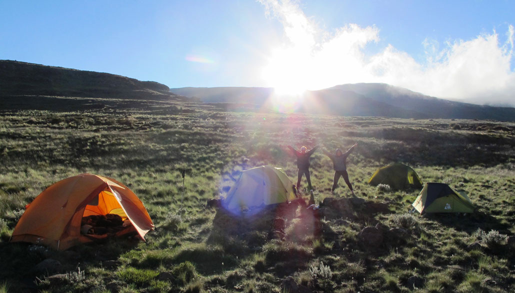 hiking-tents-sunrise-joy