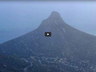 video-snowfall-on-table-mountain-2