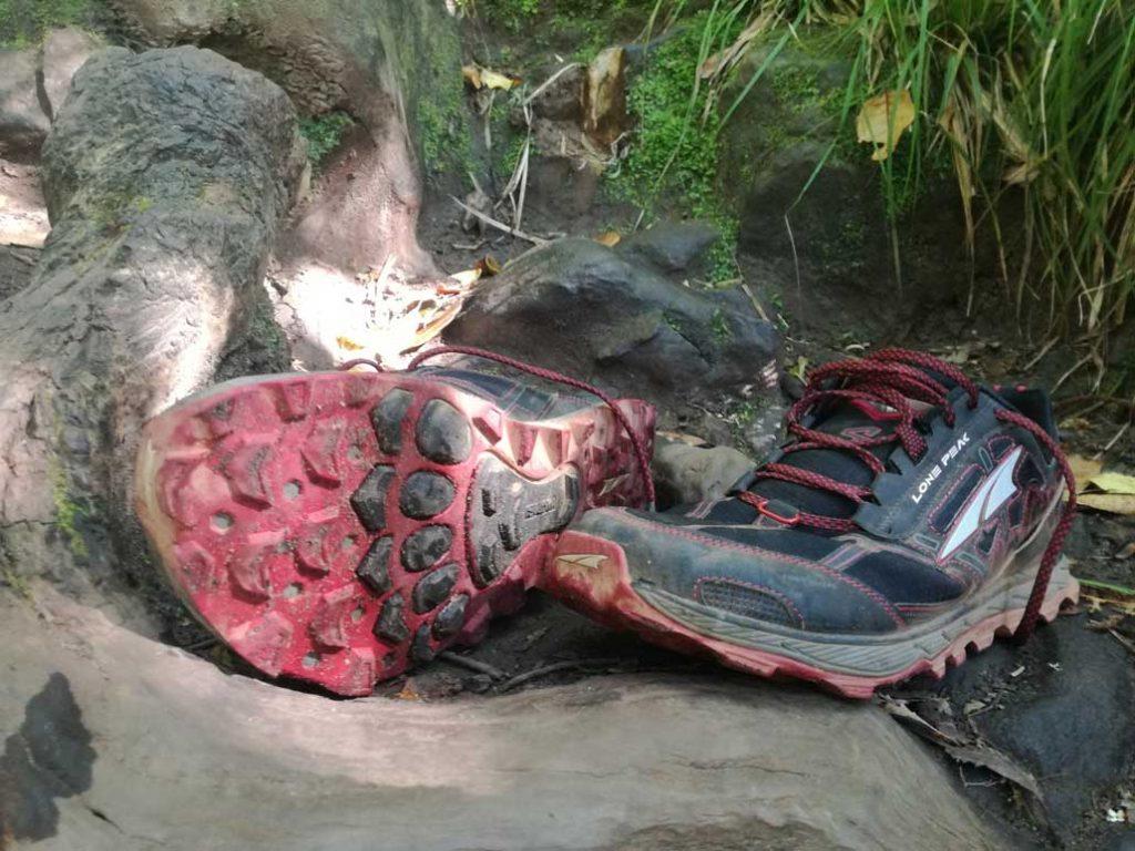Altra Lone Peak 4 trail claw sole