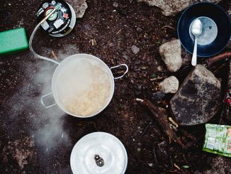 best-hiking-recipes-steaming-pot