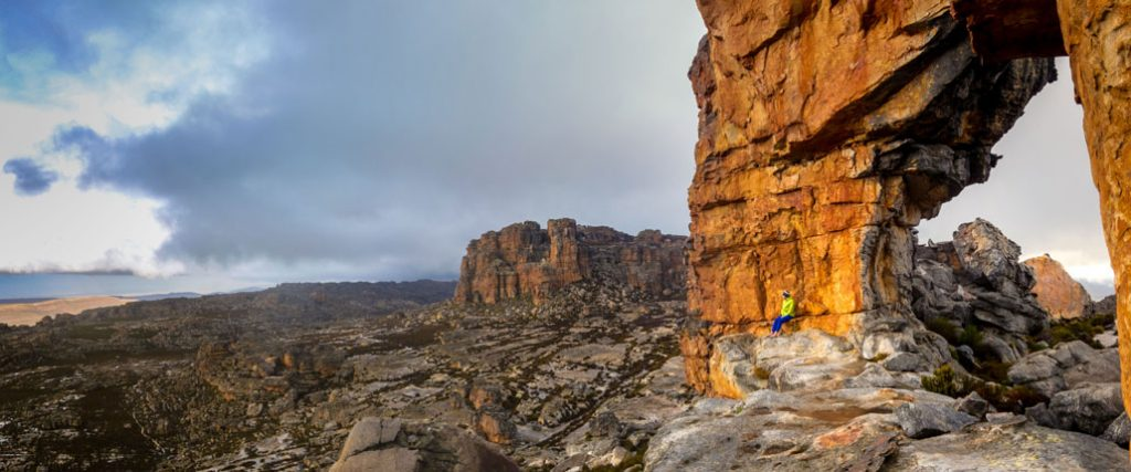 cederberg-wolfberg-arch-storm-pano