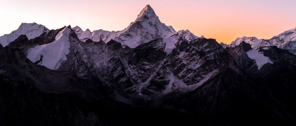 himalayas-ama-dablam