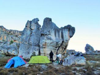 litter-boulder-camp-cederberg