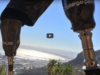 video-double-amputee-hikes-up-table-mountain